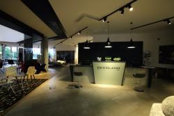 Nově otevřený showroom Decoland Design Interiors v Průhonicích