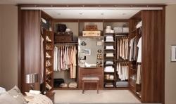 Vhodný výběr šatníku do moderního interiéru