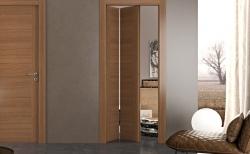 Shrnovací dveře vyřeší vaše potíže s nedostatkem prostoru